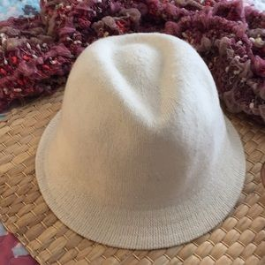 august silk Accessories - NWOT Wool blend Winter White Fedora hat 0699d2efa7e